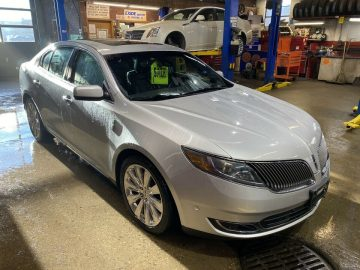 2014 LINCOLN MKS ONE OWNER ESTATE SALE